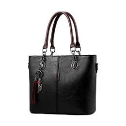 $enCountryForm.capitalKeyWord Australia - AUAU-Women Handbags Makeup Bag Ladies Hand Bag For Women Solid Shoulder Leather Handbag