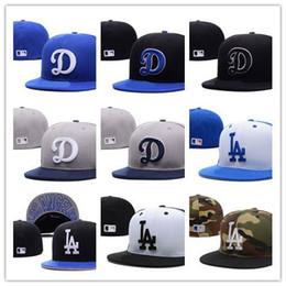 Nova Moda LA Royal Blue chapéu cabido plana Brim embroiered logotipo fãs de beisebol Chapéus tamanho LA no campo completo fechado venda por atacado