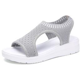 Mulheres verão Sandálias Plus Size 35-45 Cunha Sapatos de Malha Respirável Feminino Peep Toe Senhoras Slip-on Confortável Sapatos Das Senhoras venda por atacado