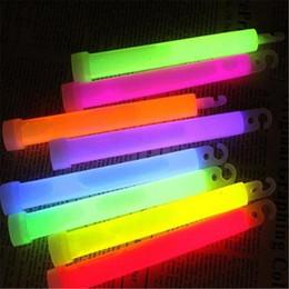 $enCountryForm.capitalKeyWord UK - 6 inches Fluorescent Glow Stick Light Stick Premium Bright Glowing Neon Stick For Party Bar Decoration 0715ayq