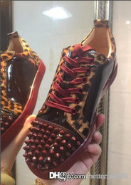 Red bottom leopaRd sneakeRs online shopping - Super Quality Wine Red Bottom Men Sneakers Low Cut Leopard Patent leather Spiked Sneaker Famous Brand Red Sole Junior Men Flat Shoes