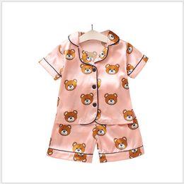 Опт Дизайнер Летняя детская пижама Наборы детей дизайнер одежды для девочек мальчиков ребенок мультфильм медведь Главная Wear Two-Piece Set короткими рукавами костюм для детей