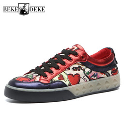 Discount graffiti shoes - Fashion Mens Graffiti Printed Sheepskin Real Leather Flats Casual Shoes 2019 New Man Round Toe Lace Up Trainers Sneakers