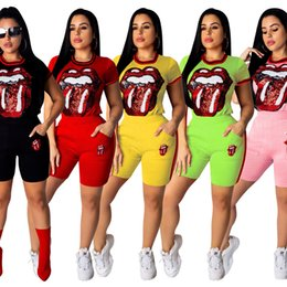 Woman T Shirt Slim Australia - Women Sequins Tongue lip Outfits 2 Piece short Sleeve slim tops Pocket Fitness Pant Streetwear Tracksuit T-shirt + shorts Pants AAA2238