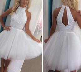 $enCountryForm.capitalKeyWord UK - Simple Elegant White Halter Beaded Homecoming Dresses Hollow Back Tulle Mini Short Prom Dresses Senior High Party Gown