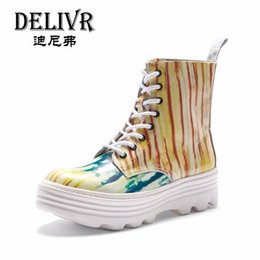 Wholesale Delivr Genuine Leather Boots Men Ankle Boots Multicolor Ink Martin Shoes Men Fashion Shoes Spring