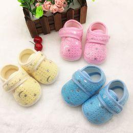 $enCountryForm.capitalKeyWord Australia - New Beautiful Multicolor Cotton Cloth Cute Infants Bay Boys Girls Anti-Slip Shoes Cotton Crib Shoes Star Print Prewalker