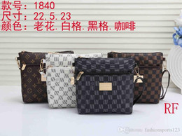$enCountryForm.capitalKeyWord Australia - Messenger Bag Men Medusa Head Italy 19ss Men's Messenger Bag Black Handbags Purses Men Bag Chirstmas Gift