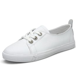 Fashionable Flat Shoes Laces UK - 2019 NEW Spring Genuine leather white shoes women low flat shoes, fashionable leisure shoes size 35-40