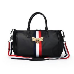 Опт  Travel Bags WaterProof Large Capacity Hand Luggage Traveling Bee Bag Women Weekend Travel Duffle Bag Handbags Fashion 2019