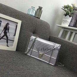 $enCountryForm.capitalKeyWord Australia - 2019 New WOC Ama chain Big Tenge Bag classic series Lady Evening bags Cowhide Genuine Leather Solid Simple fashion hand Mini bag 19CM