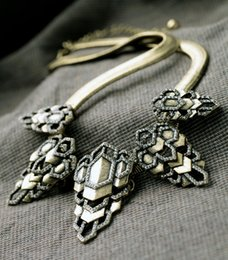Discount geometric necklace metal - Chic 2019 Newest Fashion Jewelry Steampunk Antique Geometric Metal Pendant Necklace For Women Accessories Gifts In Box