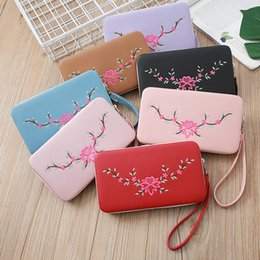 $enCountryForm.capitalKeyWord Australia - New Women Embroidered Floral Clutch Wallets PU Leather Zipper Purses Phone Bag Pocket Card Holder Coin Pouches Ladies Handbag Wristlets