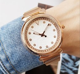 Women Watch Beauty Australia - 2019 Elegant Light Version Luxury Crystal Diamond Watches Women Gold Watch Steel Strip Rose Gold Sparkling Beauty Dweller Wristwatch