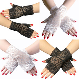 $enCountryForm.capitalKeyWord Australia - Ladies Fingerless short lace gloves dance party cosplay accessories bride wedding gloves black and white color