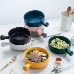 Venta al por mayor de Sola manija de cerámica para hornear redonda bandejas de horno placas de espagueti del hogar Horno microondas Cubiertos de queso cazuela de arroz platos de carne YP422