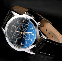 2019 Unisex Business Mens Orologi in pelle di vetro blu-ray Ginevra uomini orologio al quarzo Fashion Dress regalo orologi da polso per uomo donna