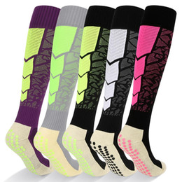 over knee soccer socks 2019 - YUEDGE Professional Adult Long Team Cotton Football Socks Over Knee-high Men Socks Sport Soccer cheap over knee soccer s