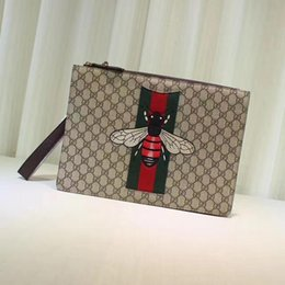 $enCountryForm.capitalKeyWord Australia - Top Quality Luxury Celebrity Design Letter Embossing Embroidery Bee Canvas Large Clutch Genuine Leather Canvas 433665 Messenger Bag