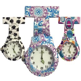 Nurse doctor pocket watch online shopping - New beautiful ladies nurse flower printing Acrylic plastic nurse watches doctor medical pastoral FOB pocket pin hang watches