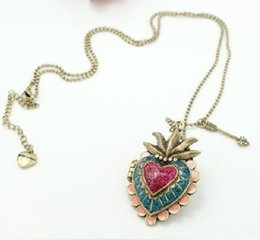 bronze heart locket pendant UK - Vintage Bronze Colored Peach Heart Choker Expanding Locket Photo Necklace Can Open Box Necklace Pendants Friendship Gift