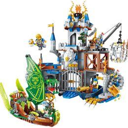 $enCountryForm.capitalKeyWord Australia - 656pcs Children's Educational Building Blocks Toy Compatible City Glory Battle Series Flying Eagle Castle Figures Brick MX190731
