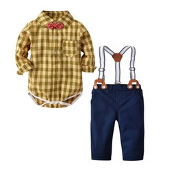 Hot Cat Suits Australia - cat-1998 new hot sale summer cotton boy's bow tie gentleman strap short-sleeved shirt four-piece European and American children's suit boys