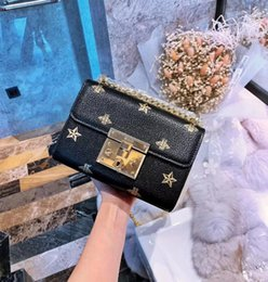 $enCountryForm.capitalKeyWord Australia - Designer-wholesale brand women handbag fashion embroidery line the single shoulder bag ins ultra-hot wavy leather Chain bag retro imitation
