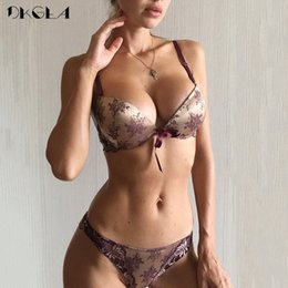 $enCountryForm.capitalKeyWord Australia - Luxury Printing Underwear Set Women Bow Fashion Red Push Up Bra Panties Sets Sexy Lingerie Embroidery Lace Bra Set Cotton Thick