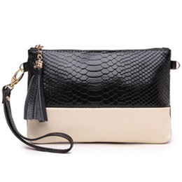 Peach Dress Clutch Bag Australia - Fashion Shoulder Bags Brands Designer Crocodile Alligator Clutch Bag Women Pu Leather Totes Hobo Handbag Tassel Quality Messenger Bags