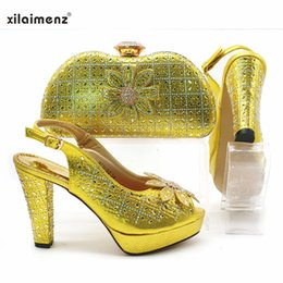 elegant gold women shoe 2019 - Yellow Summer Style Ladies Simple Rhinestone Sandals And Bag Set African Elegant Square Heels Shoes And Purse Set For Pa