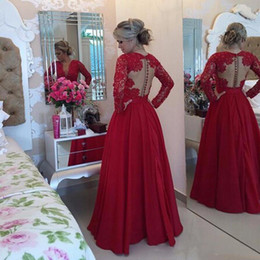 vestidos coral formatura UK - Mother of the Bride Vestidos Longos Para Formatura 2020 Modest Long Sleeve Evening Dress Red Satin Long Prom Dress with Pearls