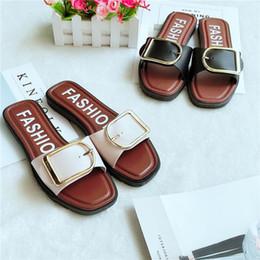 3aa14b874 Sapatos de verão novas mulheres em casa estilo botão moda vermelho versão  coreana da tendência de sandálias sapatos vestindo chinelos de moda fora