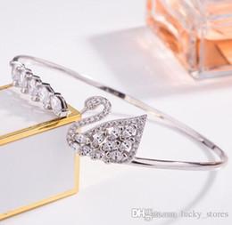 95a72bb5e928 Moda Brazaletes Pulseras Animales Swarovski Mujeres Cadena Mano Oro  Diamantes Diseñadores de marca Lujos Mujer Joyería SWAN Venta en línea