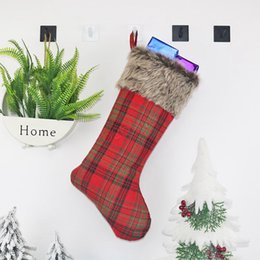 Wholesale candy ankle socks resale online - Christmas Party Stocking Hanging Socks Plaid Tree Ornament Decor grid Socks Gift Candy Bag New Year Prop Xmas Socks LJJA3010