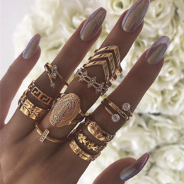 wholesale vintage style crystal rings UK - Punk Style Retro Vintage Creative Geometric Madonna Leaf Flower Gem Charm Party Fingers Joint Rings For Women Fashion 13 Pieces Jewelry Sets