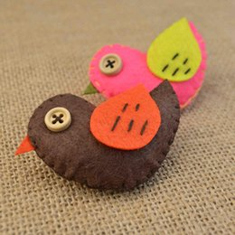 $enCountryForm.capitalKeyWord Australia - Children's Lovely Korean Version Ornaments Non-woven Bird Brooch Handmade Sewing Clothing Baby Brooch