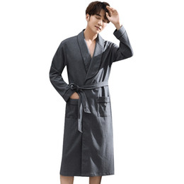 Spring Autumn Dark Grey Bathrobe Men 100% Cotton sleep top Kimono Robes For  Male Robes Long Bath Robe Bride Robe Dressing Gown d8735941e