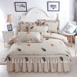 9b09572eb6 2018 conjuntos de cama barato 4 pcs abacaxi cama conjunto de tampa de cama  de algodão grosso Fronha Rainha   king size conjunto de cama roupa de cama