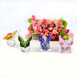 $enCountryForm.capitalKeyWord Australia - 1 Pcs Colorful Crystal Butterfly Crafts Paperweight Animal Figurines Miniatures For Wedding Artificial Decorations Birthday Gift C19041601