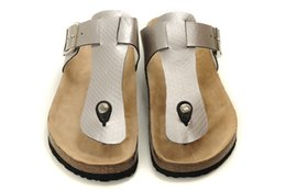 $enCountryForm.capitalKeyWord NZ - 2019 hot new boken men and women leather perforated flip-flops leather sandals slippers size: (US5-US11) 36-46