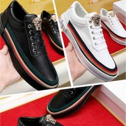 Chaussures de mode pour hommes explosions classiques chaussures de sport plates en cuir station supérieure européenne de qualité supérieure des ventes directes d'usine
