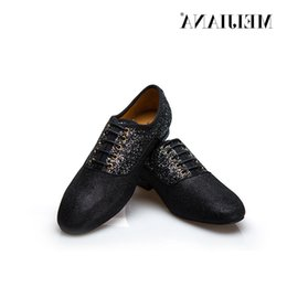male massage UK - Leather Man Business Casual Nightclub Man Leather Male Fashion Hot Selling Men Shoes Dress Shoes
