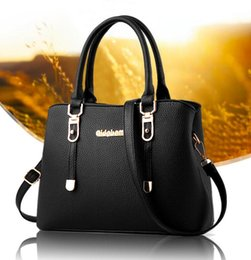New Model Ladies Handbags Australia - handbag style classic Shoulder Bag 2019 new model women tote bag for ladies party messenger bag Waist Bags free shipping 05