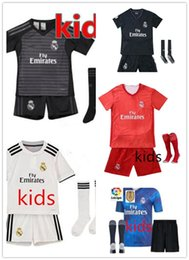 Bicycle wash online shopping - 2019 Real Madrid Goalkeeper balck kids kit socks Soccer Jersey Madrid NAVAS blue soccer shirt COURTOIS Football uniforms Jerseys