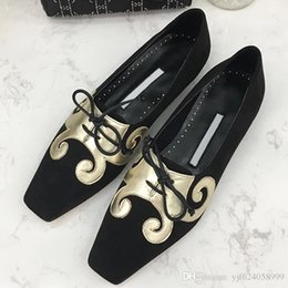 $enCountryForm.capitalKeyWord Australia - High quality 2019 new flat bottom women's shoes exquisite generous casual shoes printing decoration hot sale with original box qi