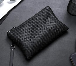 $enCountryForm.capitalKeyWord NZ - Men Cowhide Handmade Crochet Clutch Bags Business Totes Fashion Luxury Soft leather Haringndbags Brand Men Bags New Style