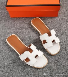 $enCountryForm.capitalKeyWord NZ - New Women Designer Flat Shoes Open Toe Leather Sandals Shoes Ladies Luxury Fashion Wedding Slides Sandals