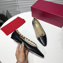 $enCountryForm.capitalKeyWord Australia - In early spring the new flat Ms single shoes delicate generous casual shoes High quality printing decoration hot sale size 34-41 Free shipp