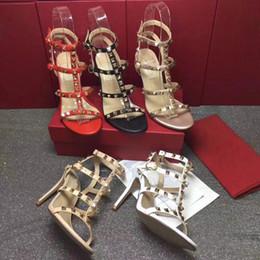 Опт 2019 новые женщины 458051 замша 7 см средний каблук слайд сандалии, детали оборудования на сложить бахромой, размер 35-40